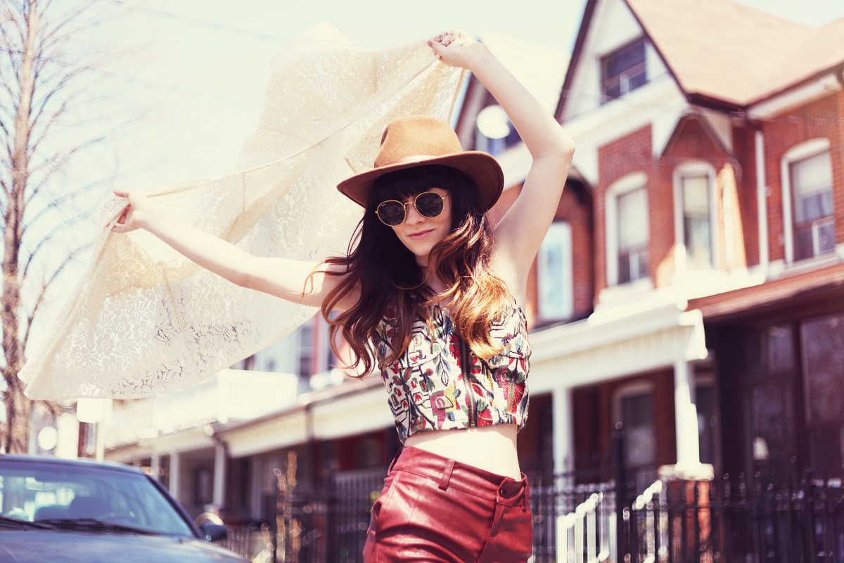 Jag lever rachel marie blogger fashion stylist volcom shoot with elle frost rayban vintage