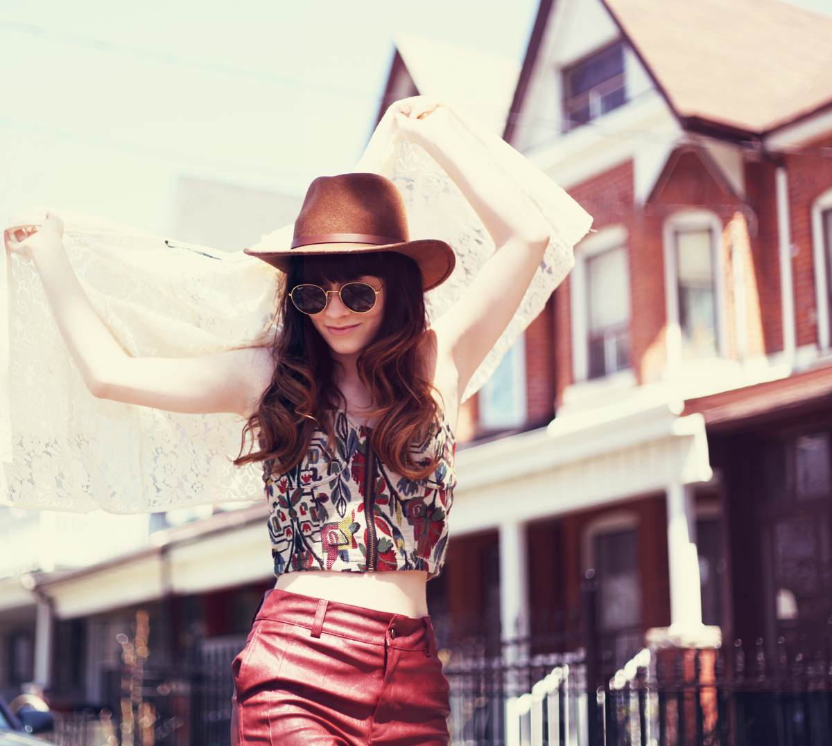 Fashion blogger style blog inspiration for spring summer volcom looks